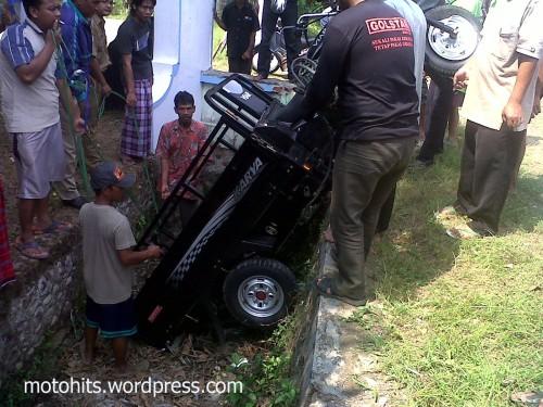 kecelakaan motor roda 3