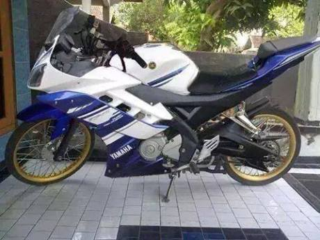 Yamaha R15 Jari-jari
