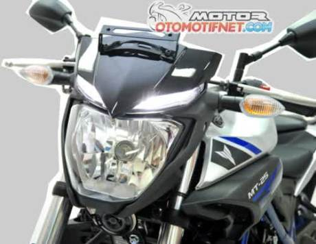 Headlamp Yamaha MT-25