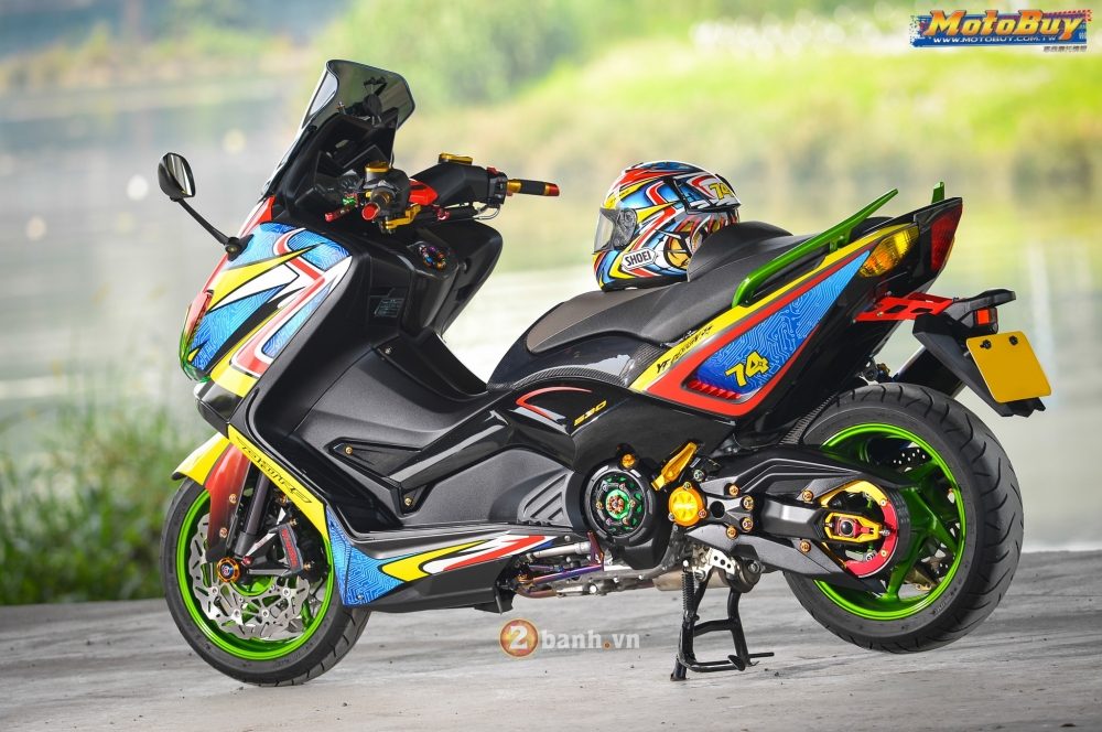 Modifikasi Yamaha T Max Full Color