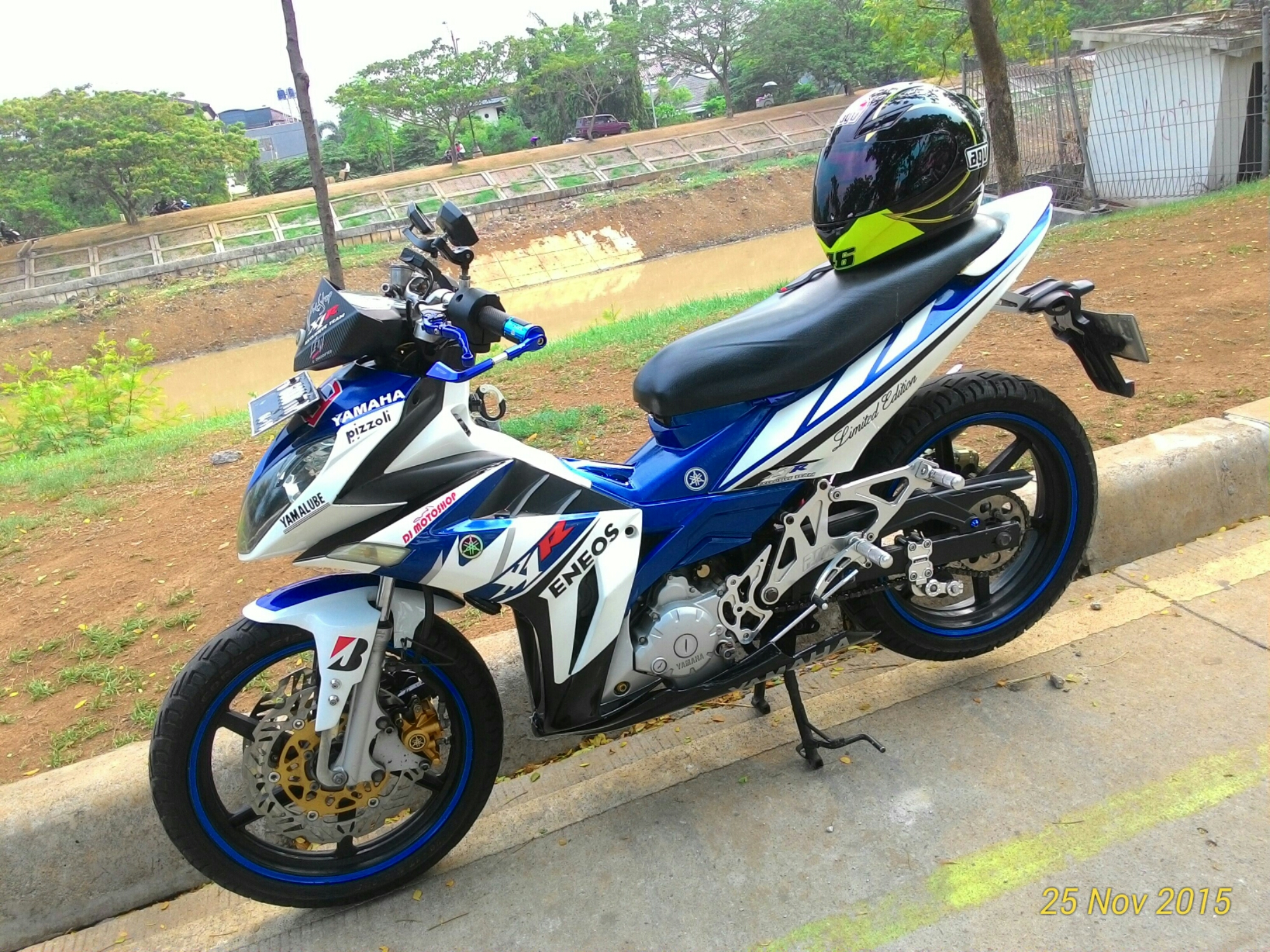 Blue Devil Modifikasi Jupiter MX 135 Ala Yamaha X1R Milik Bro